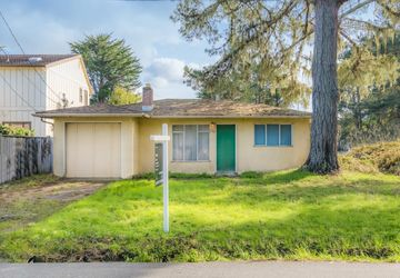 450 Cypress AVENUE MOSS BEACH, CA 94038