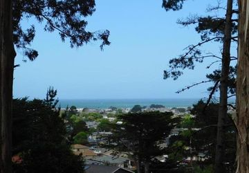 1693 Higgins Way Pacifica, CA 94044