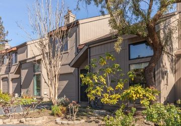 463 Winding Wood Way Sebastopol, CA 95472