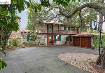 140 Estates Dr Piedmont, CA 94611