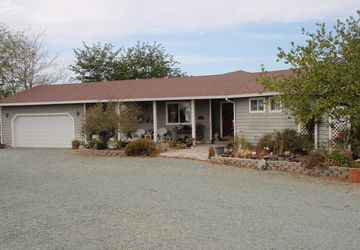 3990 Curran Road Ione, CA 95640