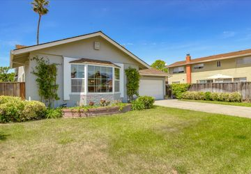 110 Sloop Ct Foster City, CA 94404