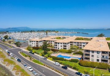 4 Anchor Drive, # 221 Emeryville, CA 94608