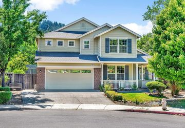 120 Grape Gables Way Cloverdale, CA 95425