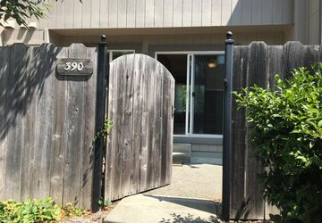 390 Gate Way Santa Rosa, CA 95401