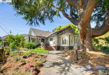 3801 Lakeshore Ave OAKLAND, CA 94610