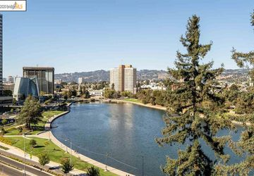 200 Lakeside Dr, # 802 Oakland, CA 94612
