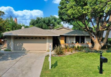 426 Nut Tree Road Vacaville, CA 95687