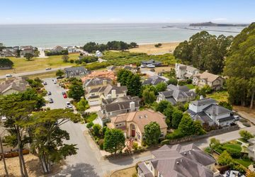 365 Coronado AVENUE HALF MOON BAY, CA 94019
