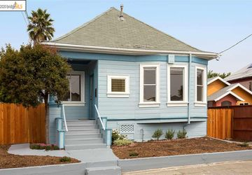 1064 67Th St OAKLAND, CA 94608