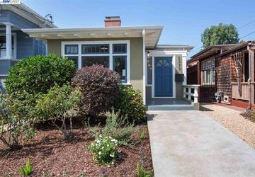 5373 Shafter Ave OAKLAND, CA 94618
