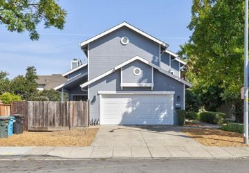 2290 Pulgas Ave East Palo Alto, CA 94303