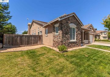 2048 Royal Ascot OAKDALE, CA 95361