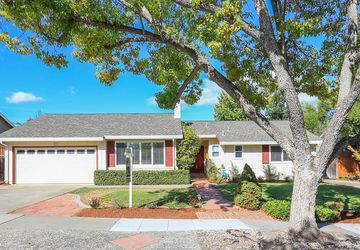 251 Pinehurst Avenue Los Gatos, CA 95032