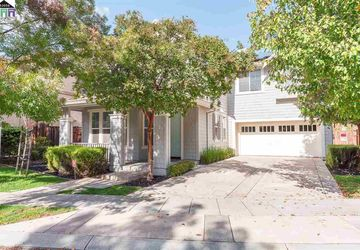 25 W Verano Ct Mountain House, CA 95391-2013