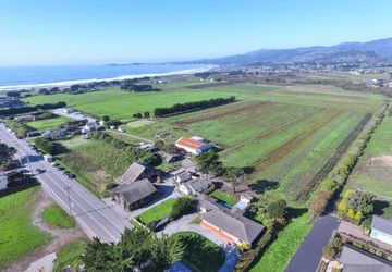 331 Kelly Avenue Half Moon Bay, CA 94019