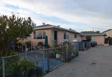 35 & 39 Buchanan Ct East Palo Alto, CA 94303