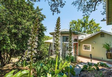 34 El Monte Way Napa, CA 94558
