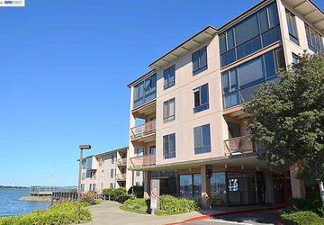 8 Admiral Dr # A333 EMERYVILLE, CA 94608
