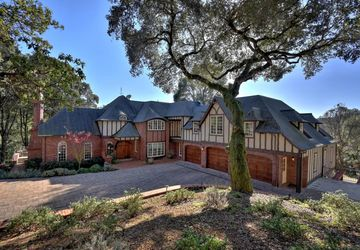5042 Wildberry Ln Soquel, CA 95073