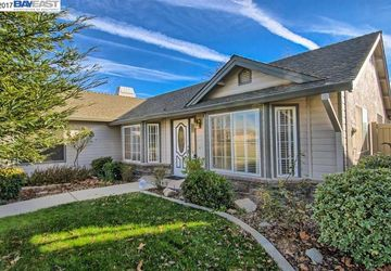 4003 Sunglow Redding, CA 96001